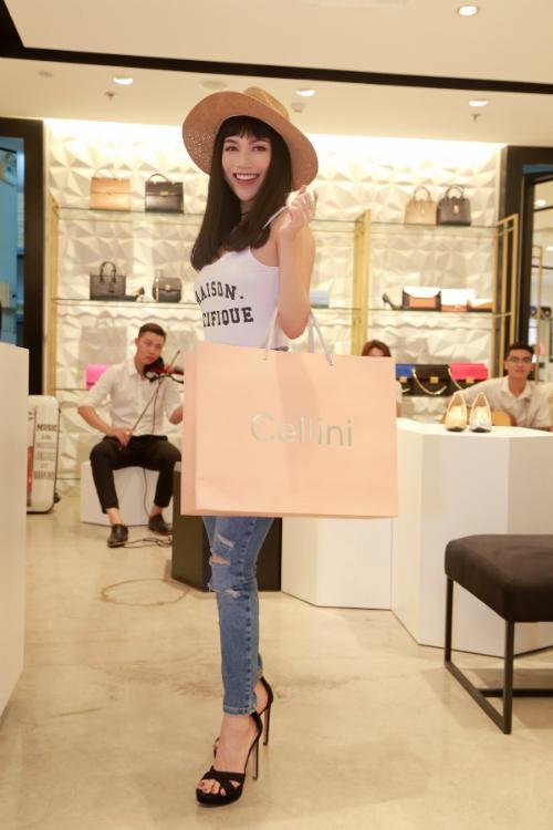 cellini-shoes-bagsellini-shoes-bags-khai-truong-cua-hang-moi-tai-saigon-centre-xin-edit-4
