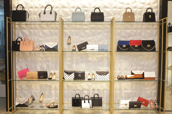 cellini-shoes-bagsellini-shoes-bags-khai-truong-cua-hang-moi-tai-saigon-centre-xin-edit-5