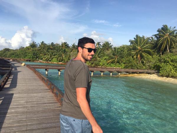 vo-chong-ha-anh-ngot-ngao-huong-trang-mat-o-maldive-5