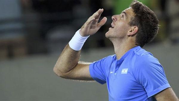 hai-cdv-danh-nhau-tung-bung-khi-xem-tennis-o-rio-7