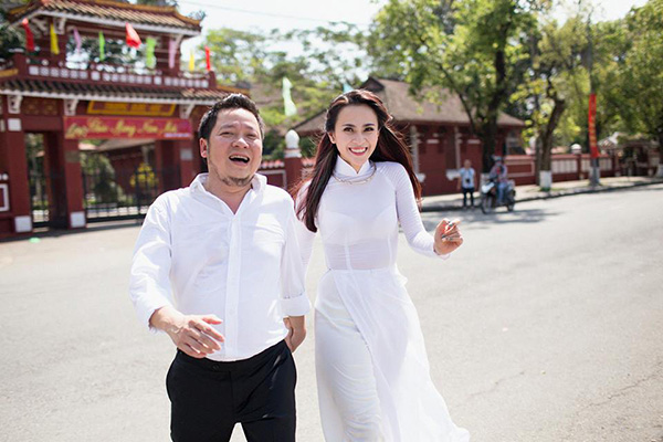 minh-phuong-hai-long-voi-cuoc-song-it-bon-chen-hanh-phuc-ben-chong-3