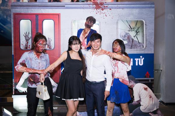 vo-chong-ly-hai-minh-ha-tron-4-con-di-xem-phim