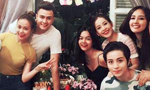 Hoàng Thùy Linh đón sinh nhật bên người yêu và nhóm bạn thân
