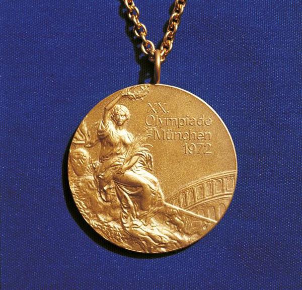 HC vàng của Olympic 1972.