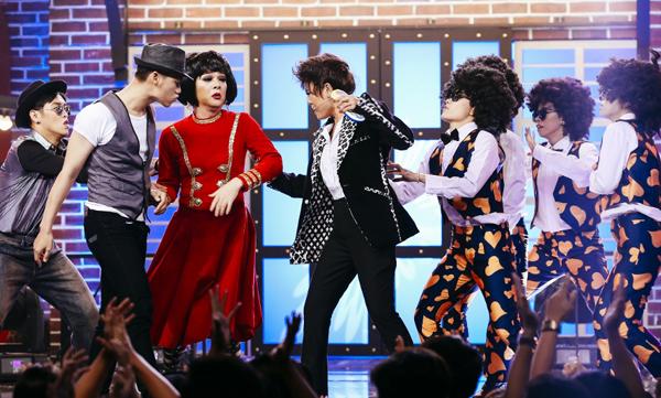 huong-giang-idol-4-lan-bien-hinh-trong-mot-show-6