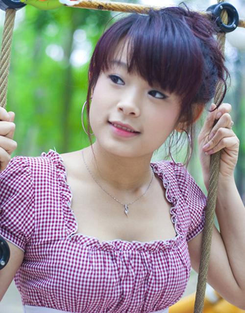 lay-chong-dai-gia-hot-girl-huyen-baby-song-ngap-trong-do-hieu