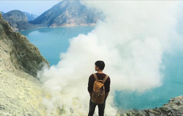 chang-trai-viet-chinh-phuc-nui-lua-dep-nhu-coi-mo-o-indonesia-4