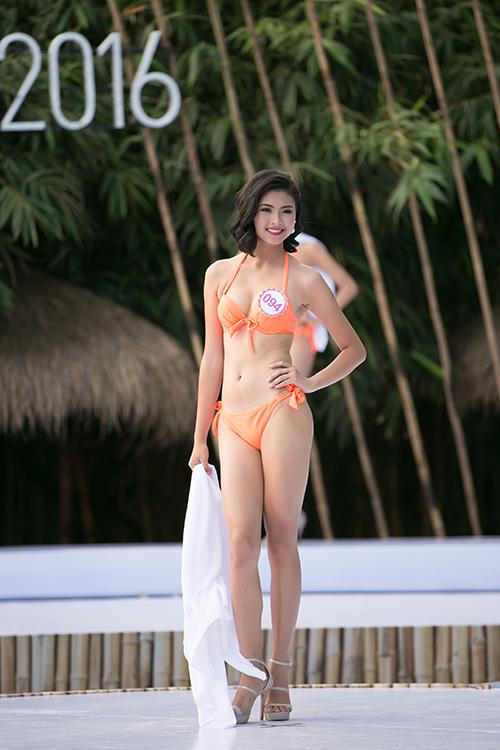 thi-sinh-hoa-hau-viet-nam-khoe-dang-nuot-na-voi-bikini-5