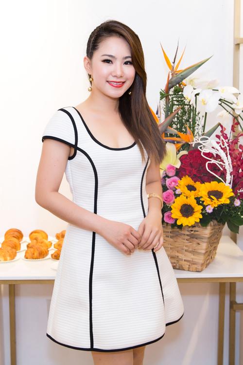 phuong-trinh-jolie-mac-sexy-khoe-dang-khoe-khoan-3