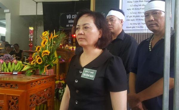Bà Phạm Thị Thanh Trà, Chủ tịch UBND tỉnh Yên Bái, là Trưởng ban lễ tang.