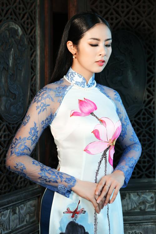 ngoc-han-duyen-dang-voi-ao-dai-3
