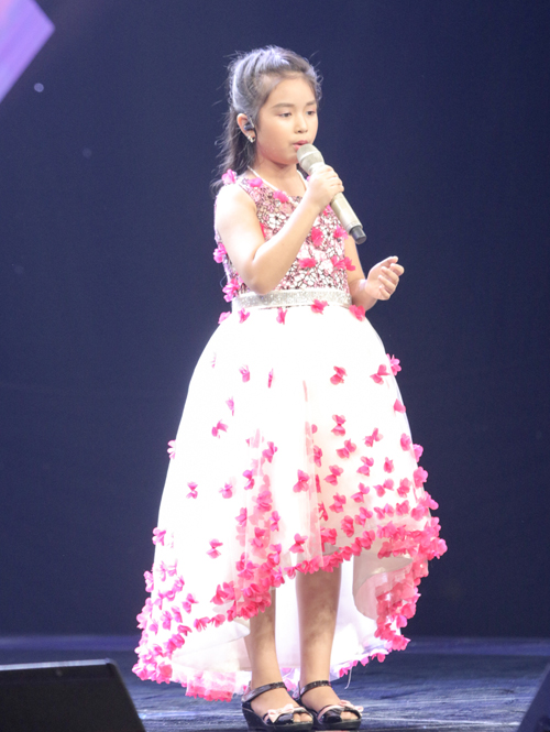 be-trai-que-ben-tre-khien-huan-luyen-vien-the-voice-kids-phat-cuong-7
