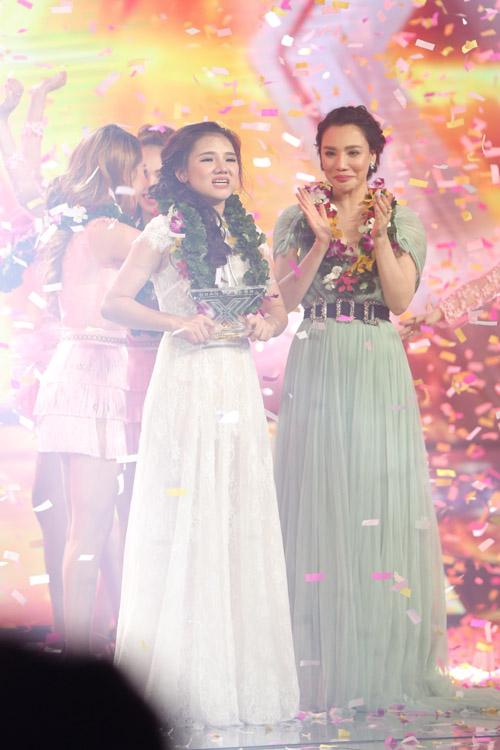 Học trò Hồ Quỳnh Hương có tới 41,22% bình chọn từ khán giả. Minh Như đã bật khóc trong khoảnh khắc đăng quang.