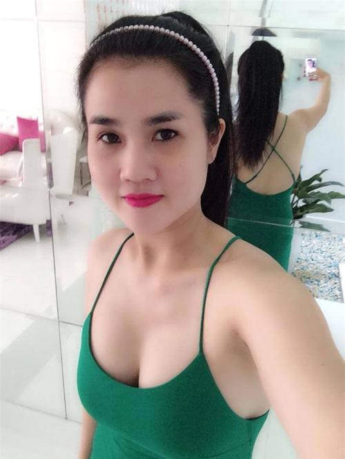 ve-sexy-kho-cuong-cua-chi-gai-ngoc-trinh
