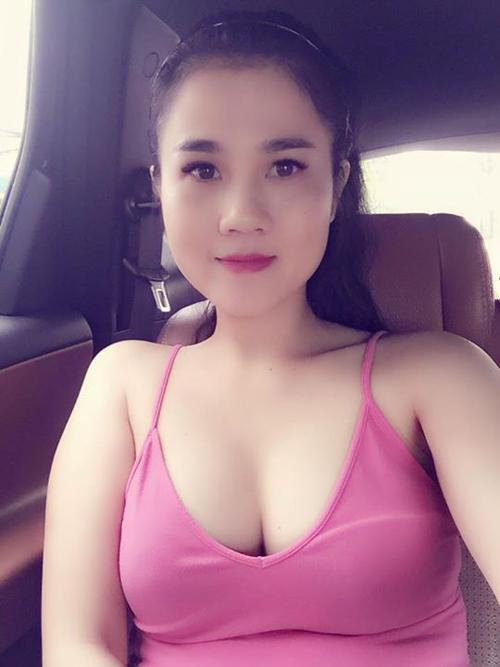 ve-sexy-kho-cuong-cua-chi-gai-ngoc-trinh-1