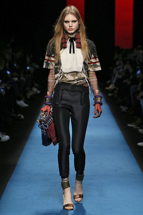 net-co-dien-ca-tinh-trong-bst-nu-thu-dong-cua-dsquared2-2