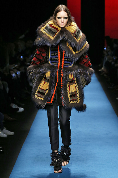 net-co-dien-ca-tinh-trong-bst-nu-thu-dong-cua-dsquared2-6