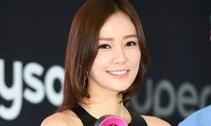 Vợ Kwon Sang Woo đẹp sexy dù đã hai con