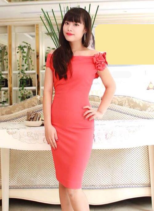 Vóc dáng thon gọn, xinh đẹp của Minh Trang khiến nhiều người lâu ngày không gặp cô phải ngỡ ngàng.