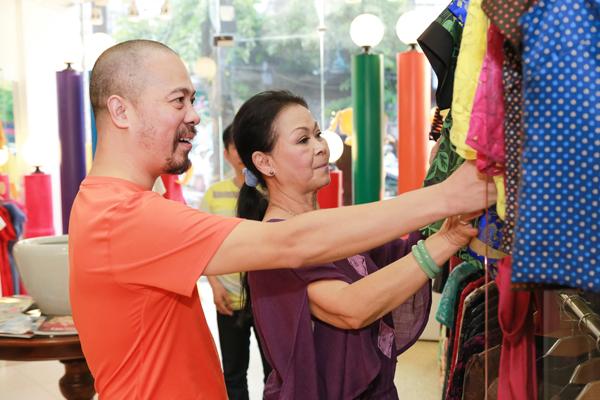 khanh-ly-vui-mung-tap-luyen-cung-hong-nhung-4