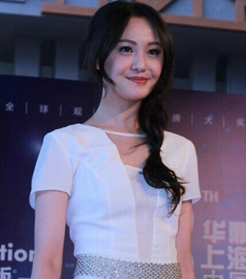 Tháng 8 năm 2014, Trịnh Sảng xuất hiện trong một sự kiện với khuôn mặt già nua và kém sắc.