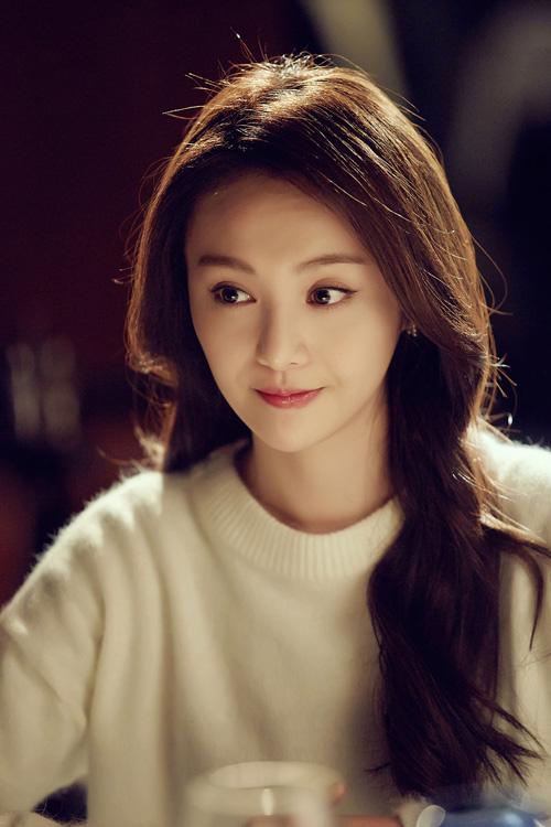 Năm 2015, Trịnh Sảng tái xuất với dự án truyền hình Tình yêu vượt ngàn năm. Lúc này khuôn mặt cô đã