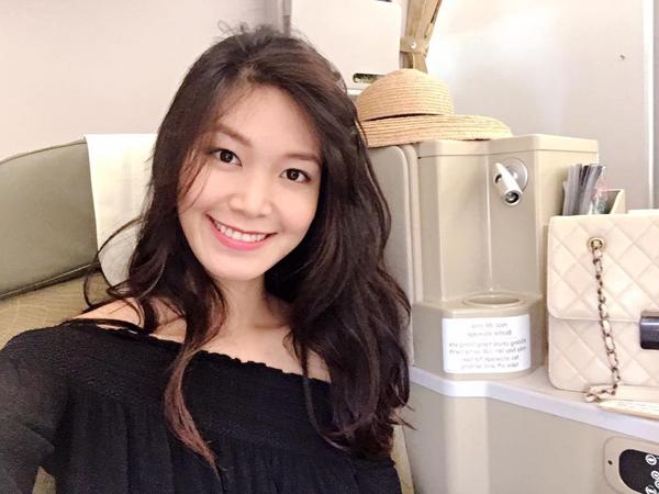 Hoa hậu Thùy Dung chia sẻ lần đầu đi máy bay xịn khi ra Hà Nội làm từ thiện.