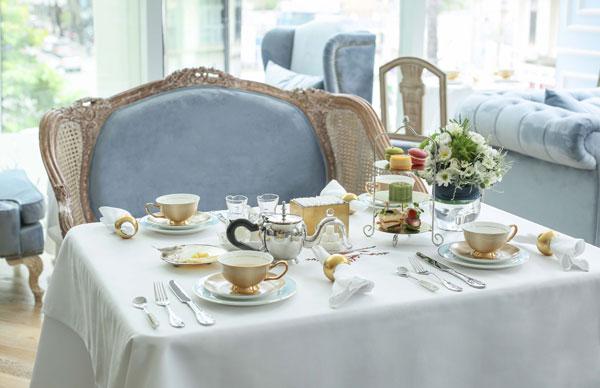 Sự kết hợp độc đáo giữa trà, hạt chia, bánh Trung Thu sẽ làm cho buổi thưởng trà ngắm trăng của thực khách thêm thanh lịch và tinh tế.