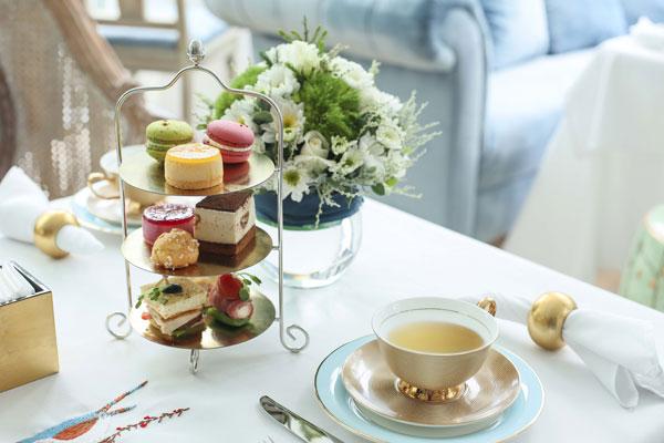 Hơn 365 loại trà ở Khanhcasa Tea House Saigon Centre đều có xuất thân từ những hãng trà danh tiếng nhất ngành trà như Wedgwood, Harrods London đến Mariage Freres , Fauchon, Kusmi Tea Paris; hay Ronnefeldt của Đức, Tea Forte của Mỹ, Davids Tea từ Canada&