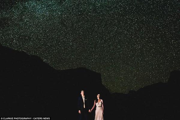 Khoảnh khắc ngàn năm có một dưới bầu trời đầy sao củaYosemite, California, Mỹ.