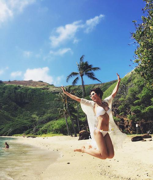 ngoc-quyen-khoe-body-hoan-hao-o-hawaii-1
