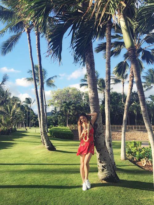 ngoc-quyen-khoe-body-hoan-hao-o-hawaii-5
