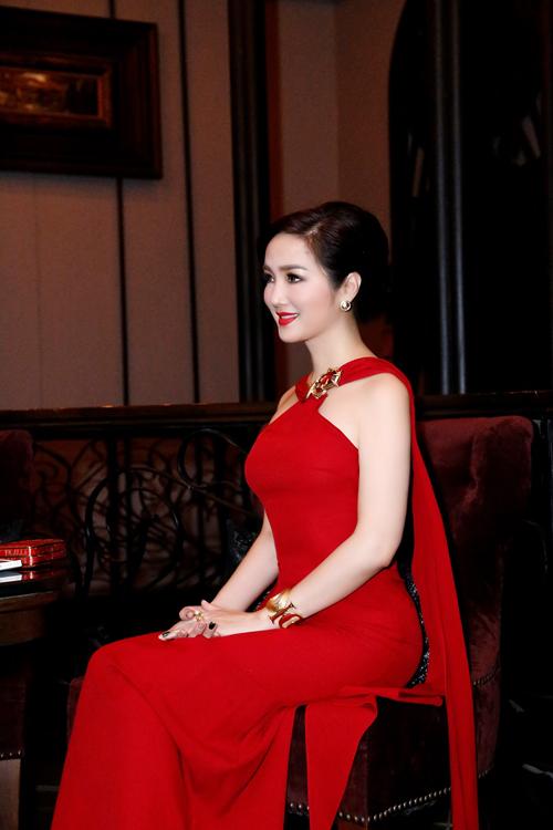 giang-my-ruc-ro-voi-vay-ho-vai-tai-bangkok-2