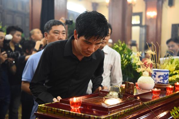 Ca sĩ Hồ Quang Tám