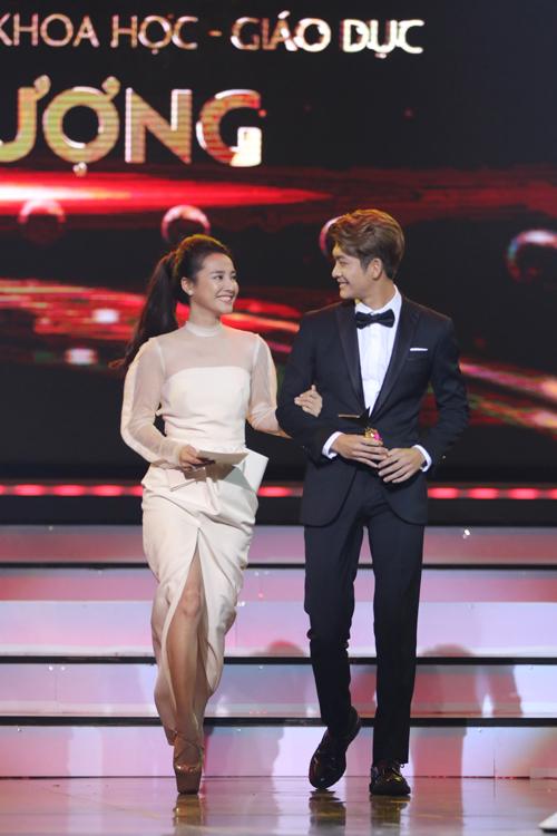 nha-phuong-truong-giang-chien-thang-o-vtv-awards-2016