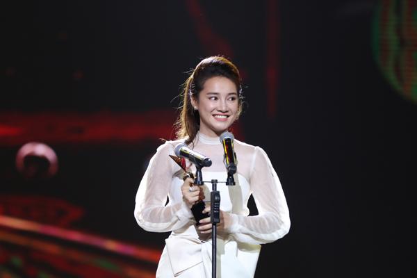 nha-phuong-truong-giang-chien-thang-o-vtv-awards-2016-2