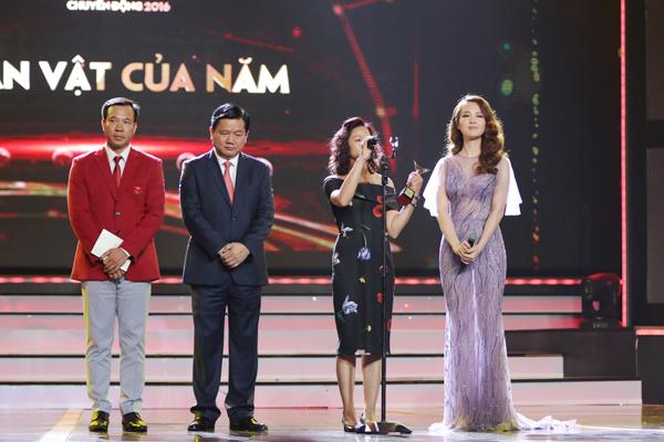 nha-phuong-truong-giang-chien-thang-o-vtv-awards-2016-8