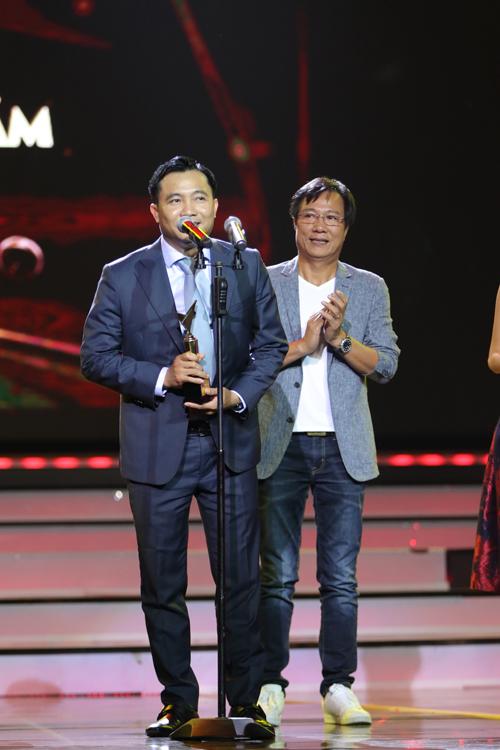 nha-phuong-truong-giang-chien-thang-o-vtv-awards-2016-9