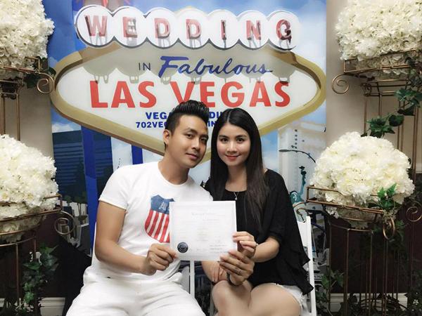 Vợ chồng Kha Ly - Thanh Duy hoàn thành thủ tục đăng ký kết hôn tại Mỹ: Đã xong thủ tục ... Cảm ơn ân trên đã đưa chúng con đến nơi này!!! .