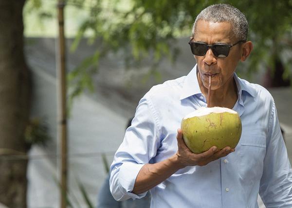 Sau khi kết thúc Hội nghị Thượng đỉnh G20 tại Hàng Châu, Trung Quốc, Tổng thống Mỹ Barack Obama đã tới Lào vào sáng ngày hôm qua, 6/9 để tham dự Hội nghị cấp cao ASEAN 28-29