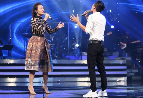 viet-thang-bi-giam-khao-bang-kieu-che-dan-tren-san-khau-1