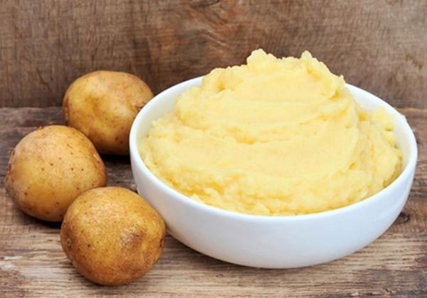 Khoai tây giúp làn da nhờn điều tiết lượng dầu.