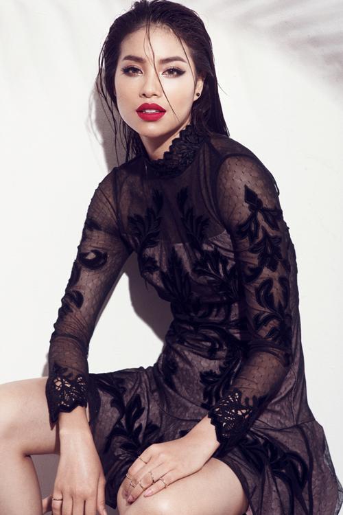 pham-huong-lam-moi-hinh-anh-bang-phong-cach-sexy-7