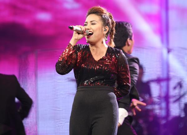huy-tuan-tat-yeu-thi-sinh-vietnam-idol-viet-thang-6