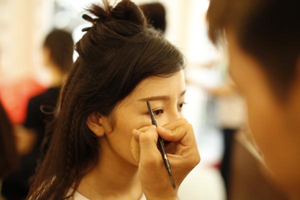 style-make-up-trong-treo-cho-tan-nuong-trong-le-don-dau