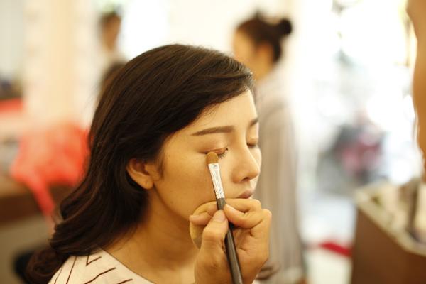 style-make-up-trong-treo-cho-tan-nuong-trong-le-don-dau-1