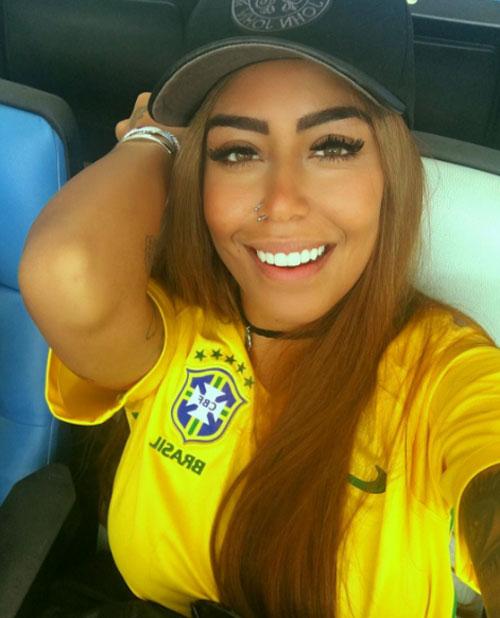 em-gai-neymar-hot-tren-mang-xa-hoi-nho-ve-dep-brazil-8