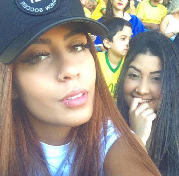 em-gai-neymar-hot-tren-mang-xa-hoi-nho-ve-dep-brazil-4