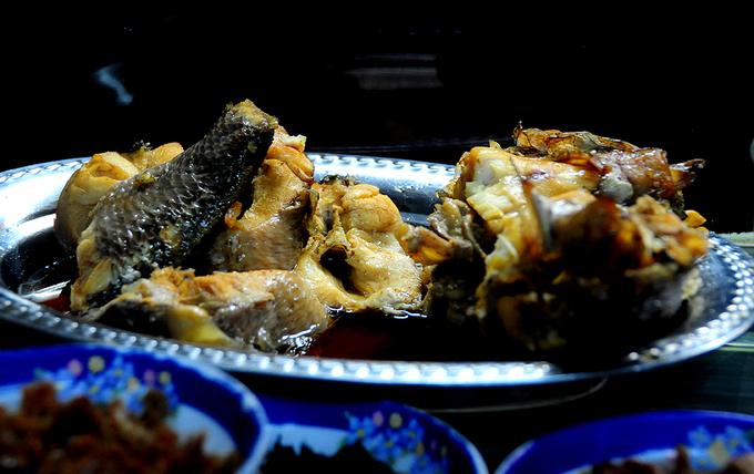 Đủ món \'mồi\' ngon ăn cùng cháo trắng đêm Sài Gòn