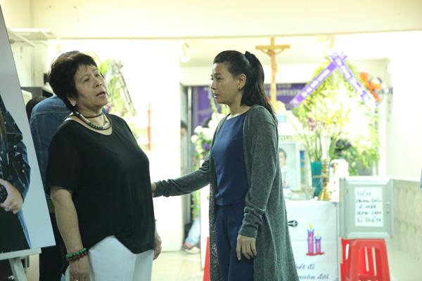 Nghệ sĩ Cát Phượng thăm hỏi, động viên má nuôi của Minh Thuận.
